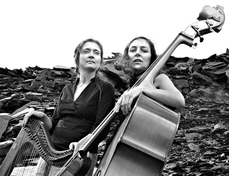 Delphine & Hoela copyright Sylvie Le Parc